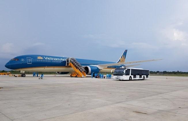 Vietnam Airlines lên kế hoạch đưa ba máy bay đến Đà Nẵng để giải tỏa 700 khách mắc kẹt trong hai ngày 12 và 13-8. Ảnh minh họa