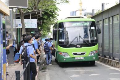 Các doanh nghiệp vận tải xe buýt TP HCM đang gặp nhiều khó khăn