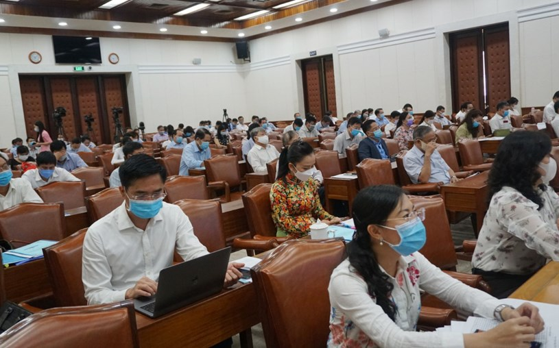 Các đại biểu tham dự hội nghị tại điểm cầu UBND TP. Ảnh: Huyền Mai