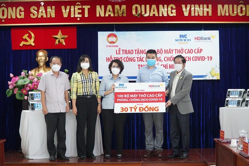 TPHCM tiếp nhận 100 máy thở hiện đại do Tập đoàn Sovico trao tặng