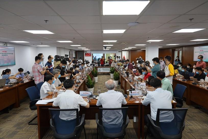 Buổi họp báo thu hút sự quan tâm của đông đảo các phóng viên, nhà báo. Ảnh: Khang Minh