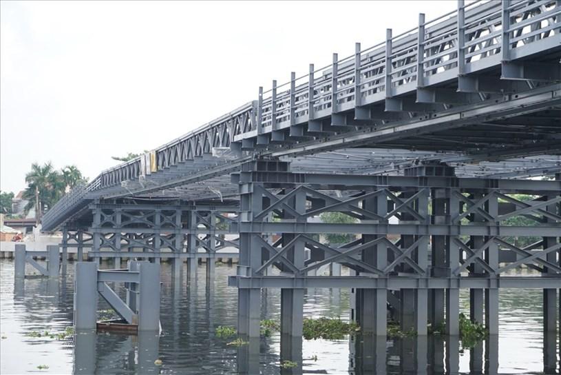 Cầu An Phú Đông khi đi vào hoạt động cho phép xe từ 5 tấn trở xuống đi lại. Ảnh: Minh Quân