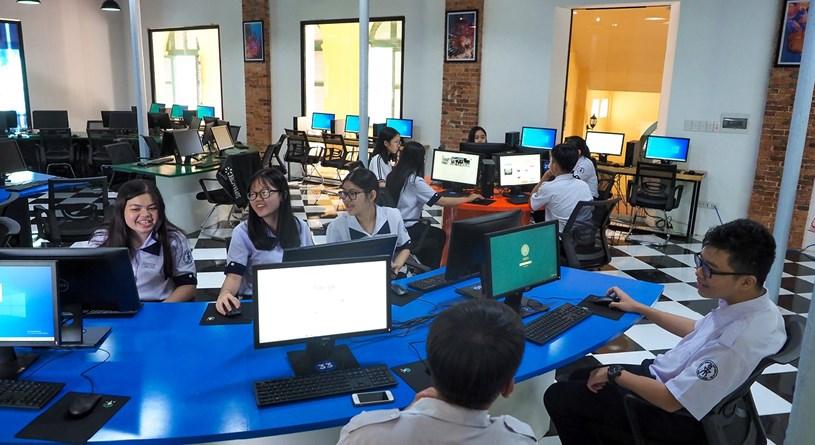 Đến thăm thư viện 5 sao Trường THPT chuyên Trần Đại Nghĩa - Ảnh 13