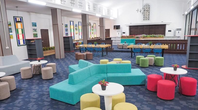 Đến thăm thư viện 5 sao Trường THPT chuyên Trần Đại Nghĩa - Ảnh 4