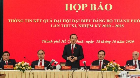 Trách nhiệm của Đảng bộ khóa mới là sớm đưa Nghị quyết vào cuộc sống hiệu quả nhất
