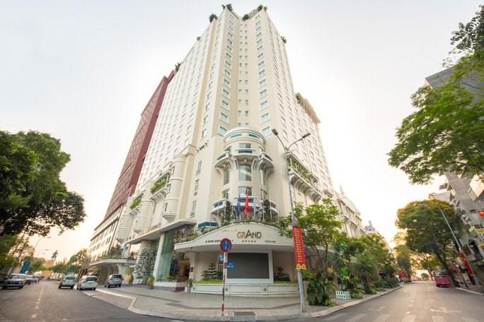 """Nhiều khách sạn 5 sao ở TP HCM đang giảm giá, khuyến mại """"khủng"""" để kích cầu du lịch dịp cuối năm. Ảnh: Lam Giang"""