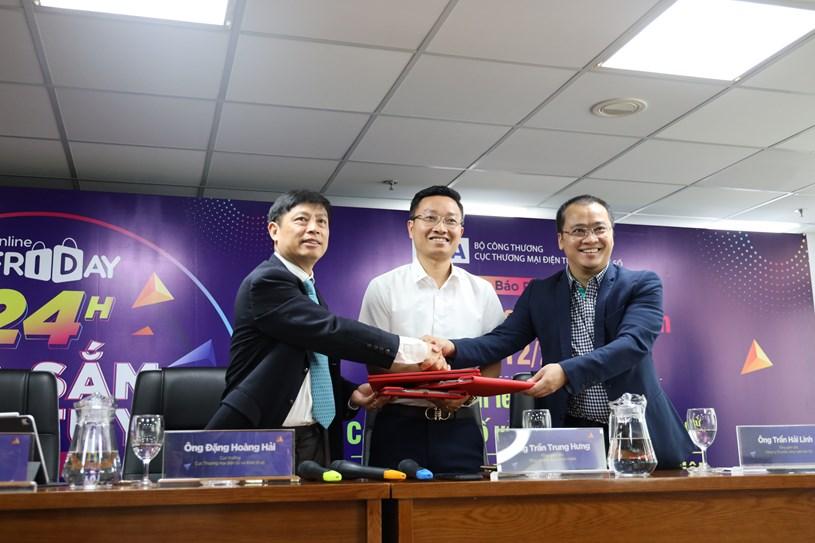 Ký kết và khai trương Gian hàng Quốc gia Việt Nam trên sàn thương mại điện tử.