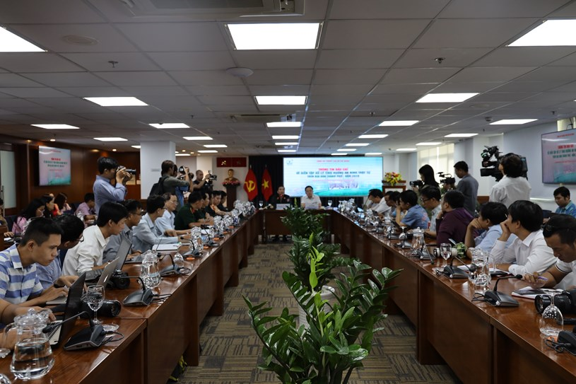 Thông tin của buổi họp báo thu hút nhiều phóng viên báo chí