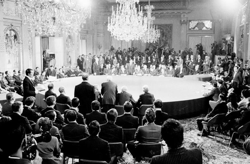 Quang cảnh lễ ký Hiệp định Paris, ngày 27/1/1973, tại Trung tâm các Hội nghị quốc tế ở thủ đô Paris (Pháp). (Ảnh: Văn Lượng/TTXVN)