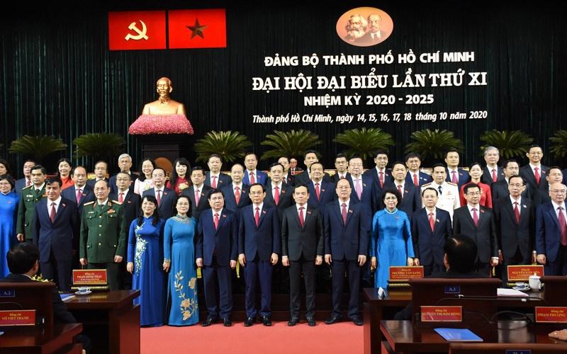 Ban Chấp hành Đảng bộ TP.Hồ Chí Minh khóa 11 ra mắt đại hội. Nguồn: Báo Nhân dân